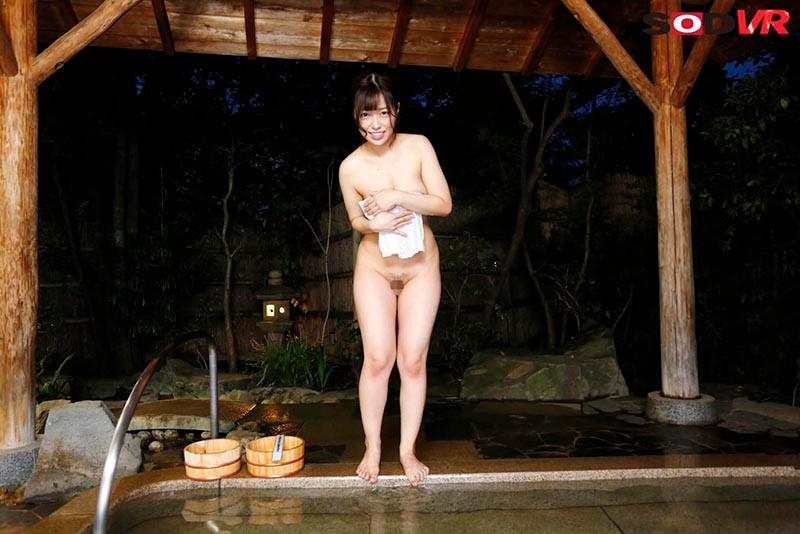 【VR】温泉に入っていたらまさかの『タオル一枚 男湯入ってみませんか?』の撮影に出くわしてエッチな素人娘さんにヌかれちゃったVR 160分SP