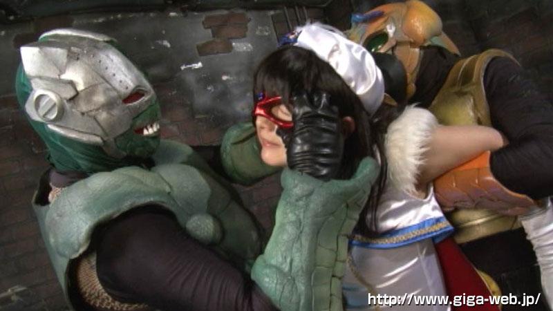 ヒロインマスク剥ぎ019