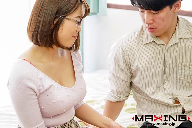 久しぶりに会った女友達が巨乳になっていて、欲情してしまった僕たちは… 佐知子