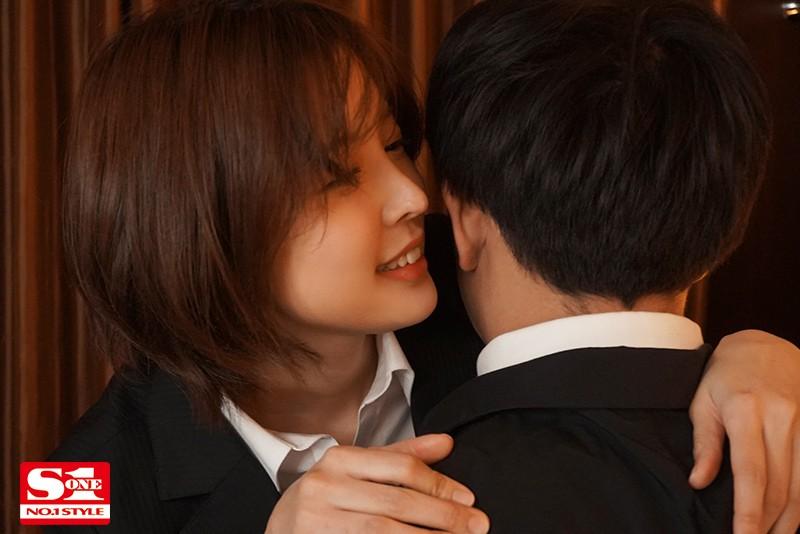 美人上司と童貞部下が出張先の相部屋ホテルで…いたずら誘惑を真に受けた部下が追撃射精の絶倫性交 葵つかさ