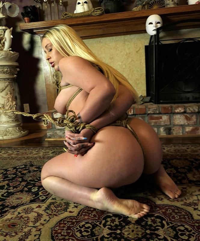 「監禁」金髪人妻緊縛強●4 爆乳主婦拘束 媚薬拷問レ●プ