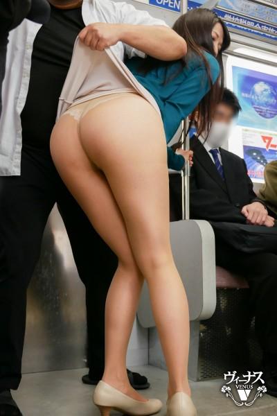 ヤンキー痴姦電車~悪で有名な不良校生たちの専用車両に乗り合わせてしまった人妻~ 加藤あやの