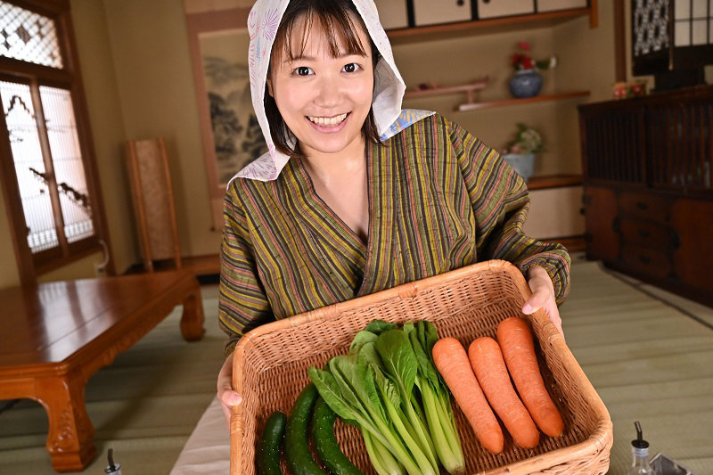 【VR】隣村のオサセな娘っ子が今日も野菜を売りに来たのでオチ○ボ&オマ○ゴ!性の喜び貪りまくりの超昭和肉感特化性交 宝生めい