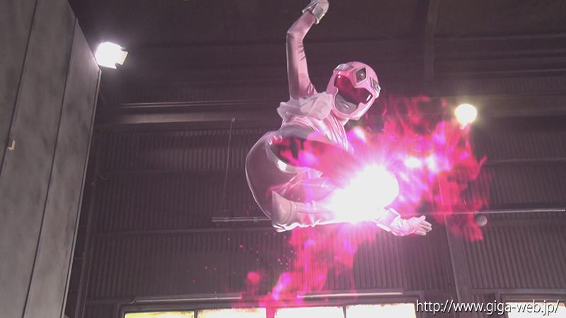 ヒロイン洗脳Vol.25 磁力戦隊マグナマン ブルーを狙うピンクの魔の手002