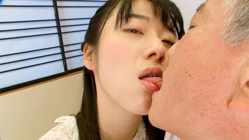 濃厚キスされ乳首とチ○ポを責められそのまま射精