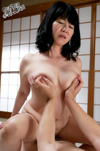 復活!!還暦巨乳 和田百美花 濡れそぼる、母の乳房を、見ていたら。
