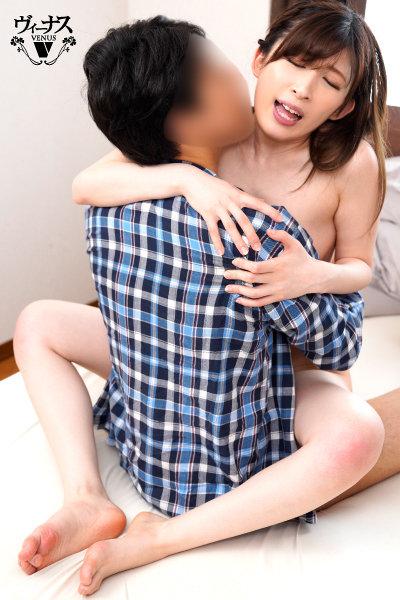息子の朝勃ちで勝手にグラインドしまくる絶頂マタガリータ母のえっぐい騎乗位セックス 石川美桜